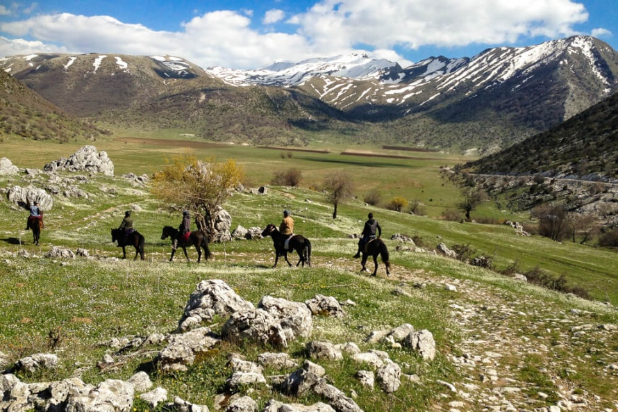A magical riding holiday with breathtaking landscapes @BlogEquus